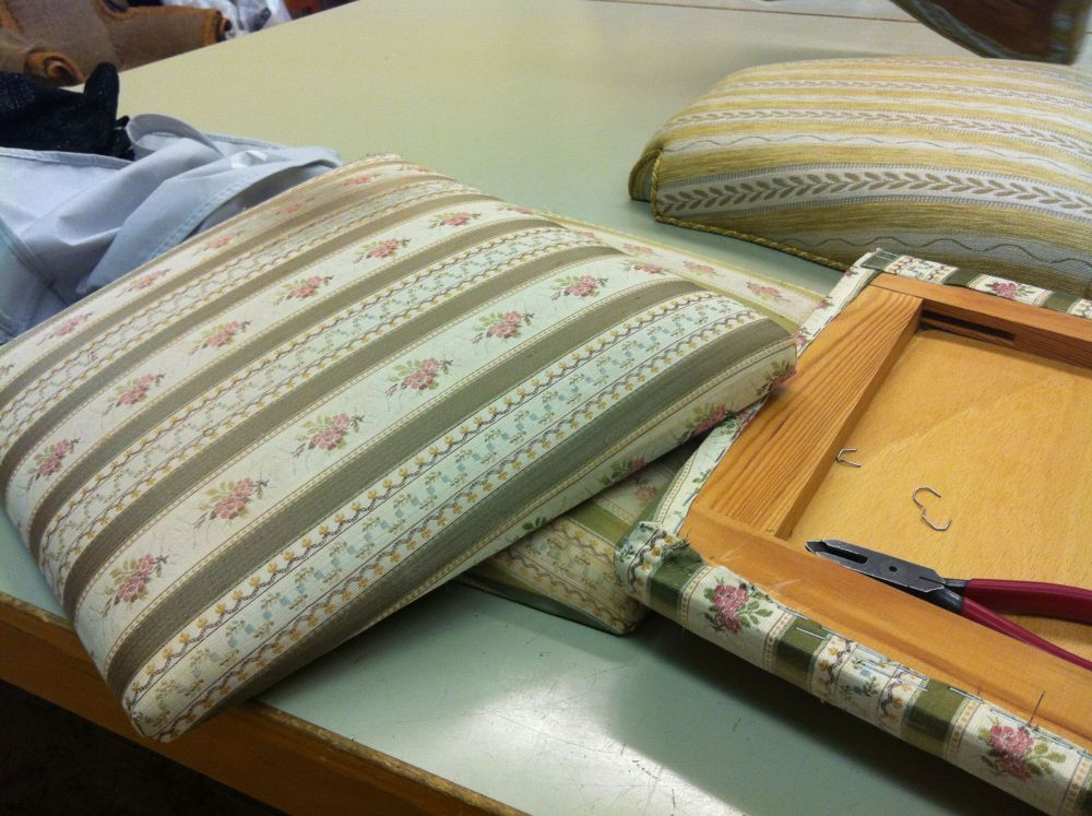Upholstery course spring 2012 - 1st time (3/6)