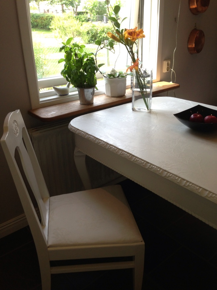 How to restore a kitchen table - in my way (6/6)